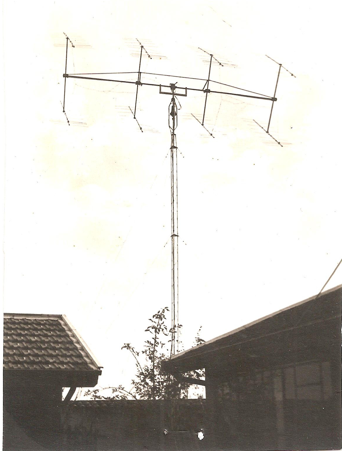 Photo 4 -Antenne F8DO 8x9 el sur pylone